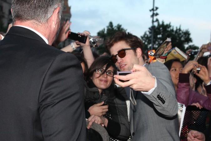 Robert Pattinson lors de la première du film De l'eau pour les éléphants à Barcelone, le 01 mai 2011.