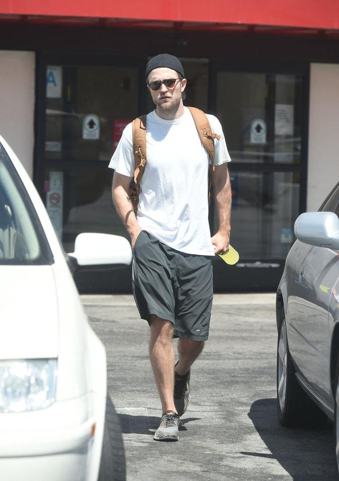 Robert Pattinson dans les rues de Los Angeles ce lundi 5 septembre 2016