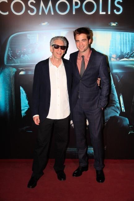 Robert Pattinson et David Cronenberg lors de la première de Cosmopolis à Paris, le 30 mai 2012.
