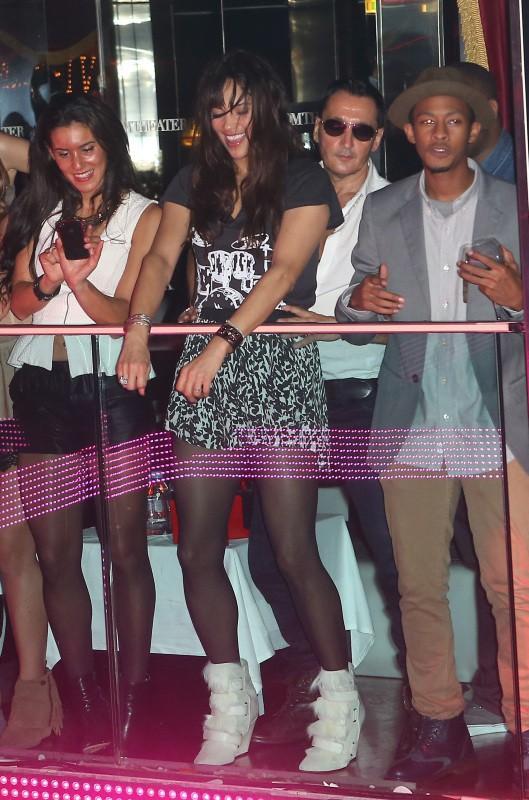 Paula Patton lors de l'after-party de son mari Robin Thicke au VIP Room Theater à Paris, le 18 octobre 2013.