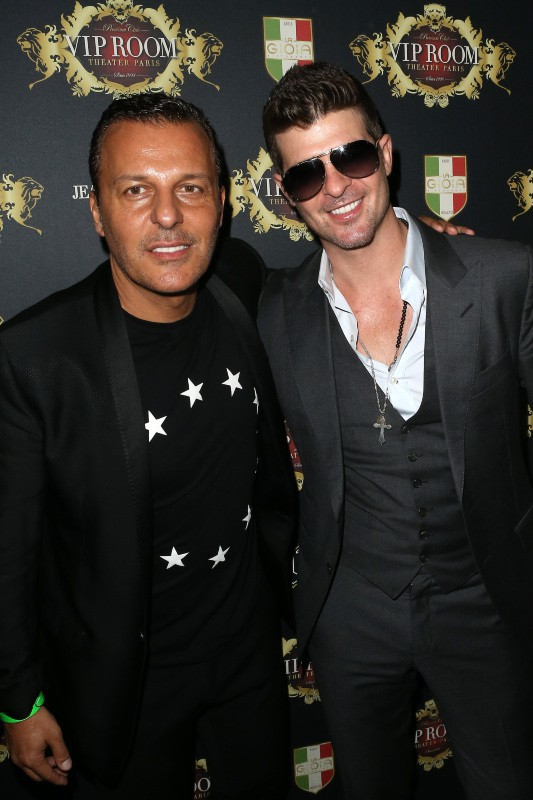 Robin Thicke et Jean-Roch au VIP Room Theater à Paris, le 18 octobre 2013.