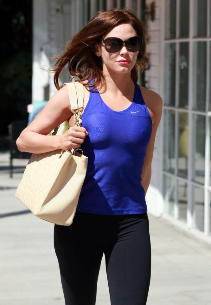 Photos : rose mcgowan : visage figé mais corps parfait !