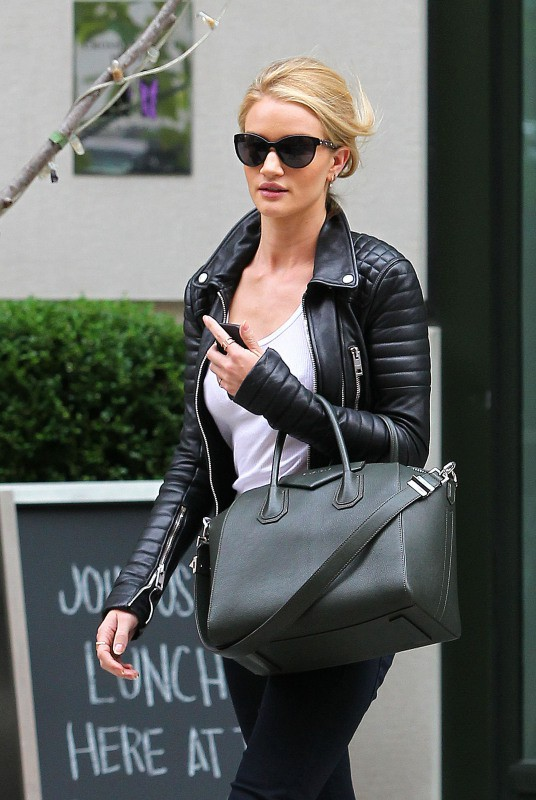 Rosie Huntington-Whiteley à New York, le 9 octobre 2013.