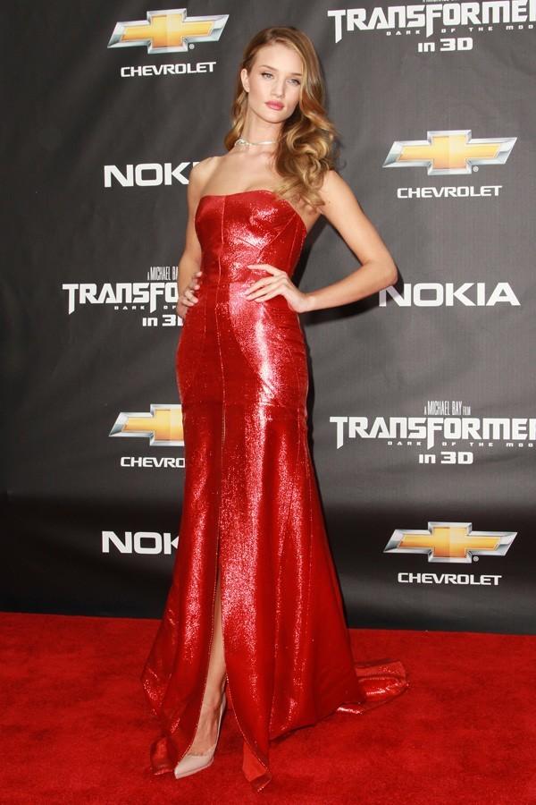 Rosie Huntington-Whiteley pour l'avant-première de Transformers 3 hier à New-York !