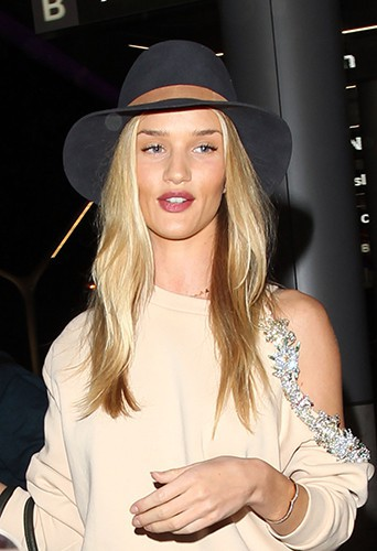 Rosie Huntington-Whiteley à Los Angeles le 28 mars 2014