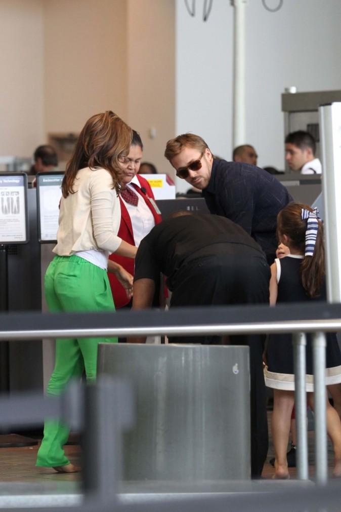 On ne risque pas de manquer Eva avec son pantalon flashy !