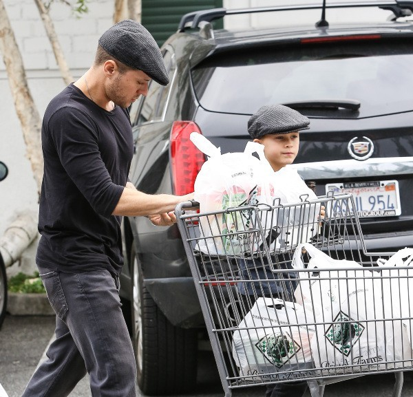 Ryan Phillippe et son fils Deacon, Los Angeles, 23 décembre 2012.