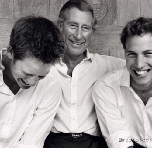 Kensington Palace publie une photo du prince Charles avec ses fils Harry et William