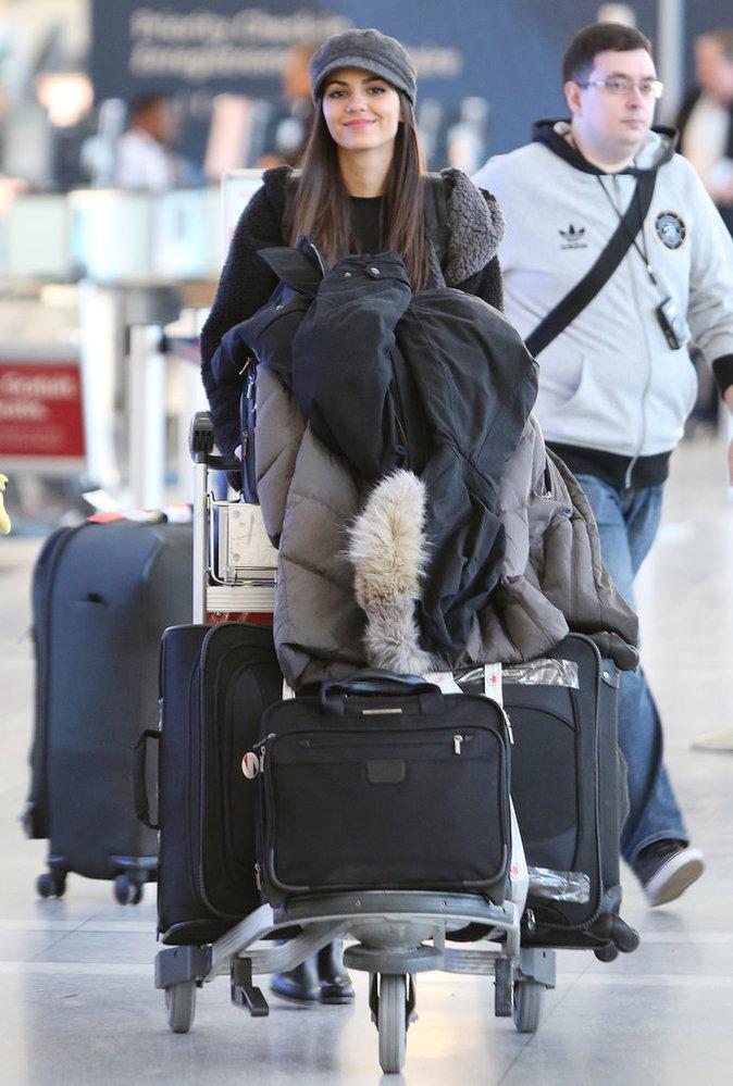 Les grosses valises comme Victoria Justice