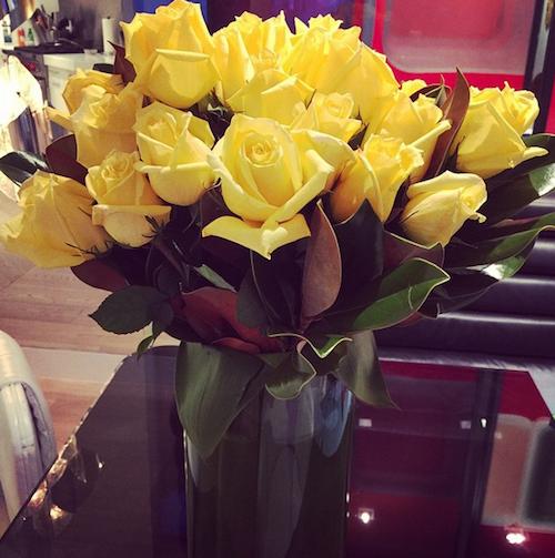 """Elton John : """"Regardez ces magnifiques roses de la part de mon cher David"""""""