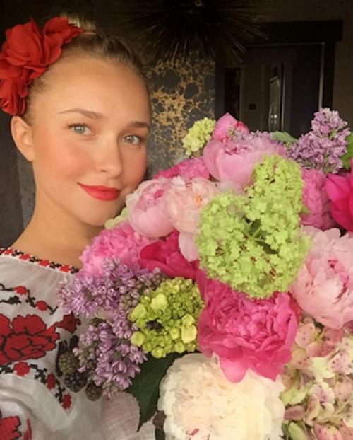 """Hayden Panettiere : """"Mes fleurs préférées pour la Saint-Valentin""""!"""
