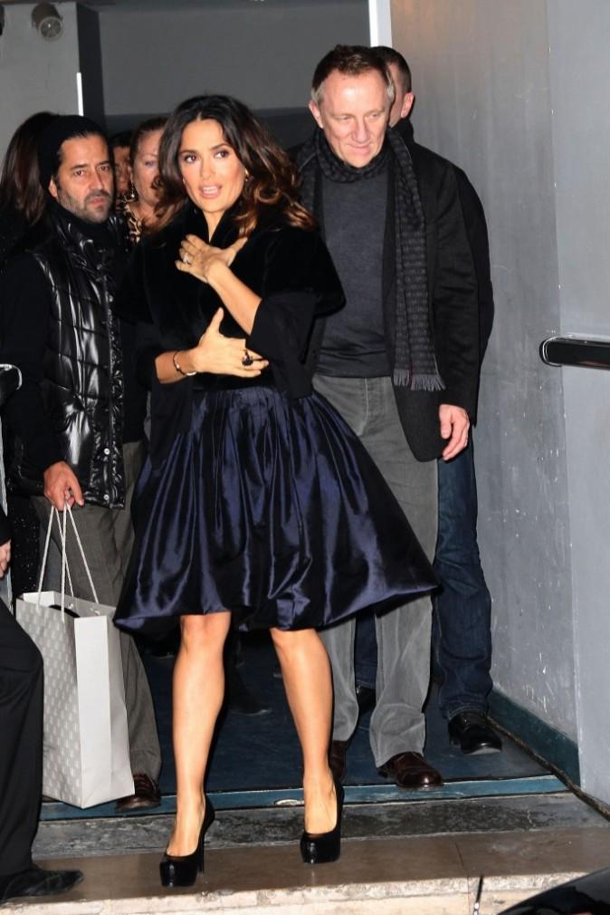 Salma Hayek et son mari François-Henri Pinault lors de la première du Chat Potté à Paris, le 20 novembre 2011.