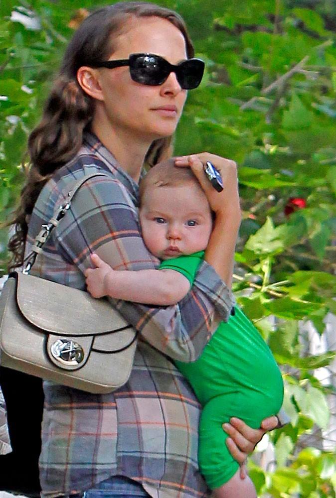 Photos : Natalie Portman est gaga de son fils Aleph