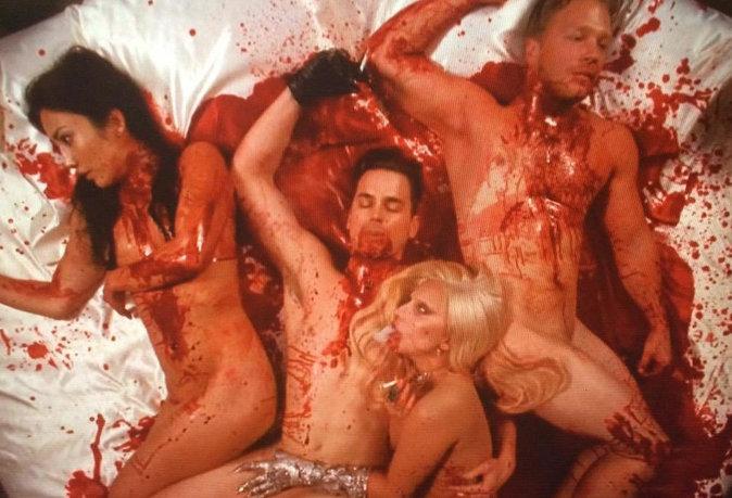 "Sanglants les débuts de Lady Gaga dans ""American Horror Story : Hotel"" !"