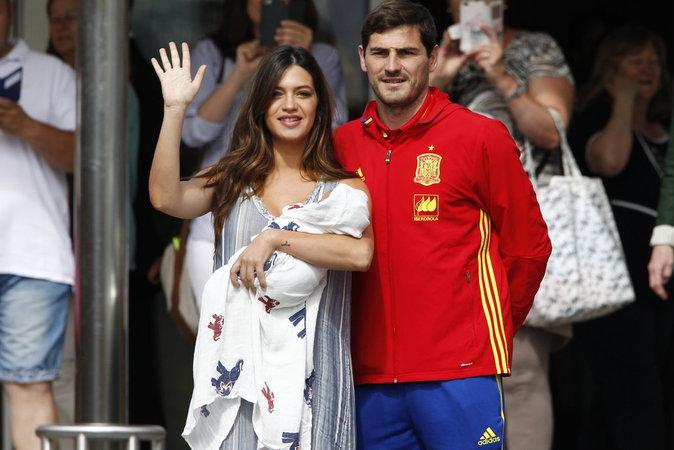 Photos : Sara Carbonero et Iker Casillas se la jouent Kate Middleton et William !