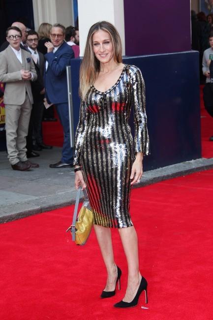 Sarah Jessica Parker en robe Marc Jacobs à Londres, le 25 juin 2013