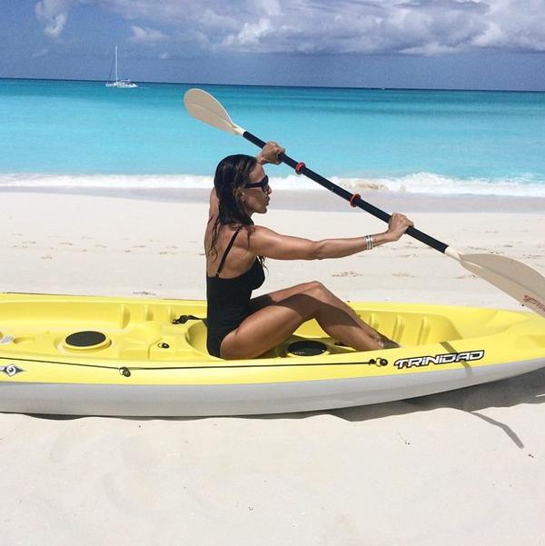 Photos : Sarah Jessica Parker : une quinqua qui fait sensation en maillot de bain !