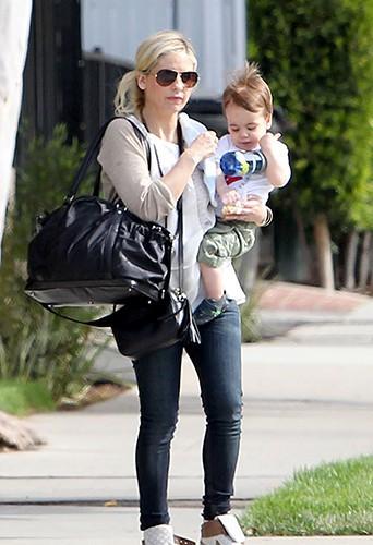 Sarah Michelle Gellar et son fils à Los Angeles le 20 mars 2014