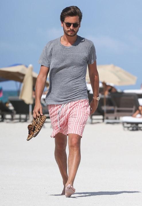 Scott Disick à la plage à Miami le 30 juin 2013