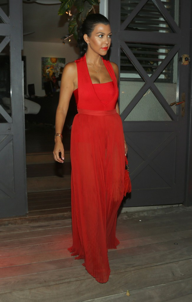 Kourtney Kardashian à Saint-Barthélémy le 20 août 2015