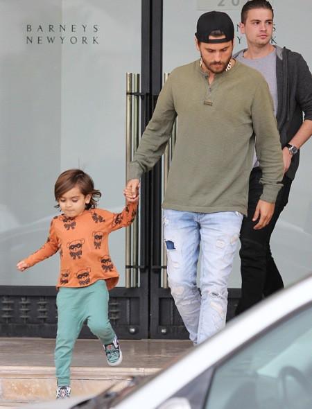 Photos : Scott Disick : un adorable duo père-fils pour une virée shopping pendant que Kourtney se fait ridiculiser !