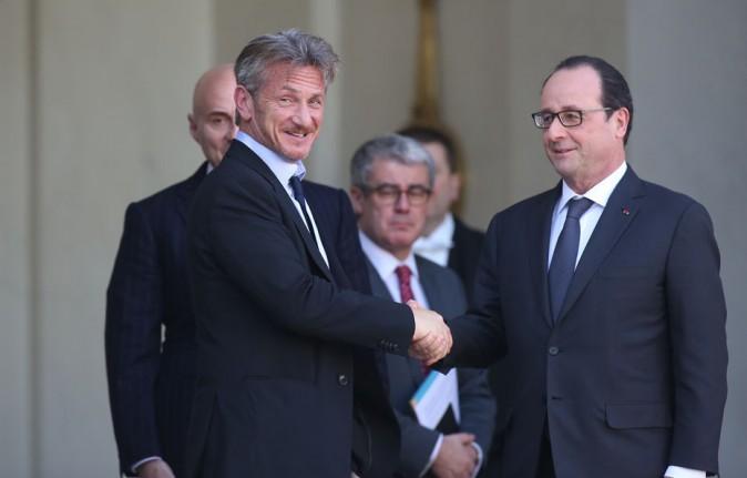Sean Penn recu à l'Elysée par François Hollande