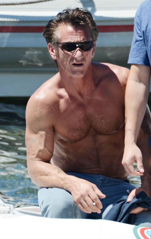 Photos : Sean Penn : l'acteur fête ses 52 ans, tous muscles dehors !