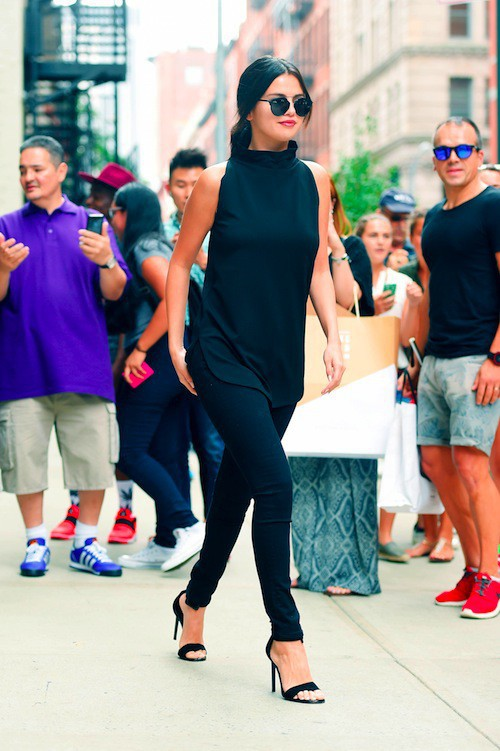Photos : Selena Gomez dévoile une nouvelle version (plus hot) de Good For You !
