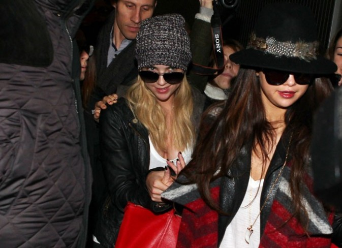 Selena Gomez à l'aéroport Charles de Gaulle de Paris le 16 février 2013