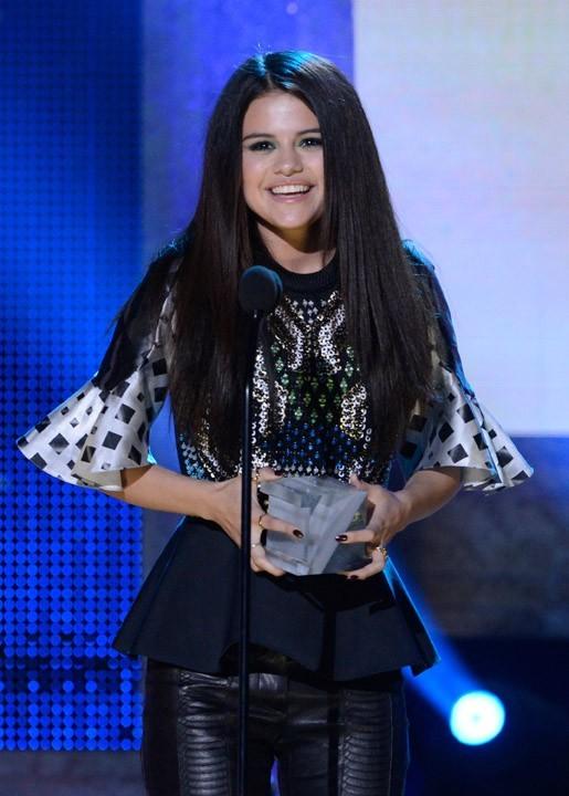 Selena Gomez à la cérémonie des Logo NewNowNext Awards 2013 à Los Angeles le 13 avril 2013