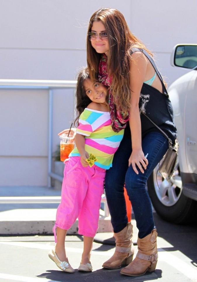 Selena Gomez et une fan à Sherman Oaks, le 24 juillet 2012.
