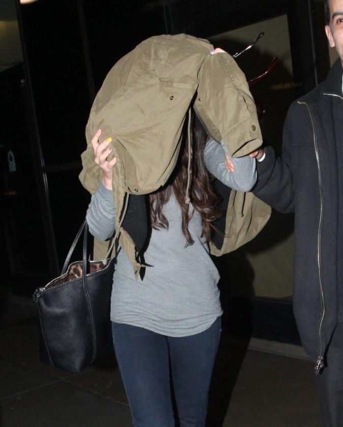 Selena Gomez à l'aéroport de Los Angeles le 21 décembre 2012