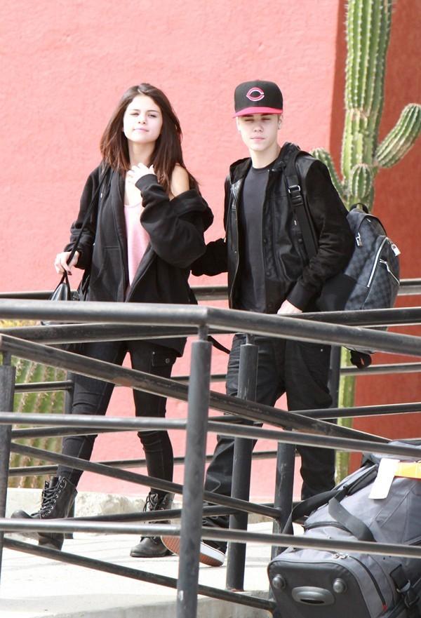 Selena et Justin à leur arrivée au Mexique !