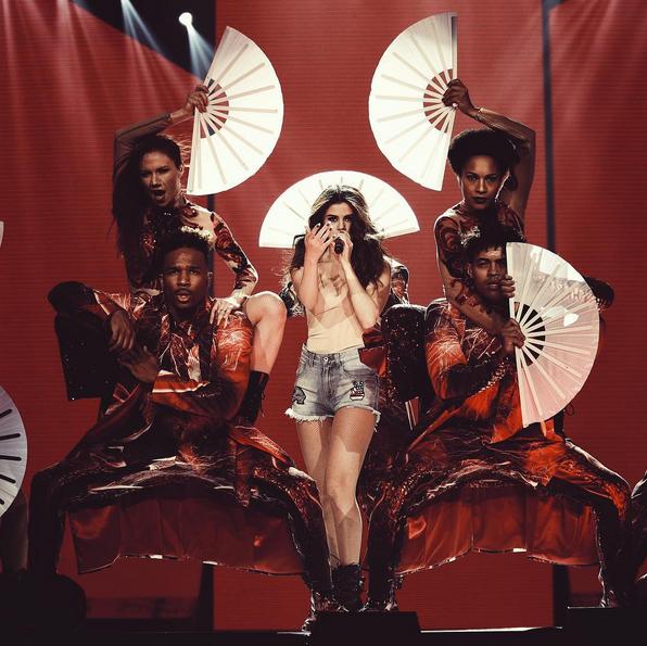 Photos : Selena Gomez lance sa tournée, et s'oblige à ne pas penser à Justin Bieber !