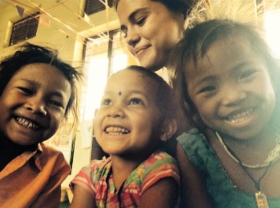 Photos : Selena Gomez : les clichés touchants de son voyage au Népal avec l'UNICEF !
