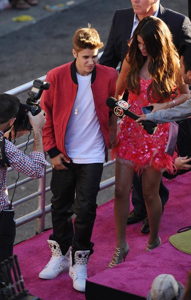 Selena Gomez et Justin Bieber le 26 juin 2012 à Los Angeles
