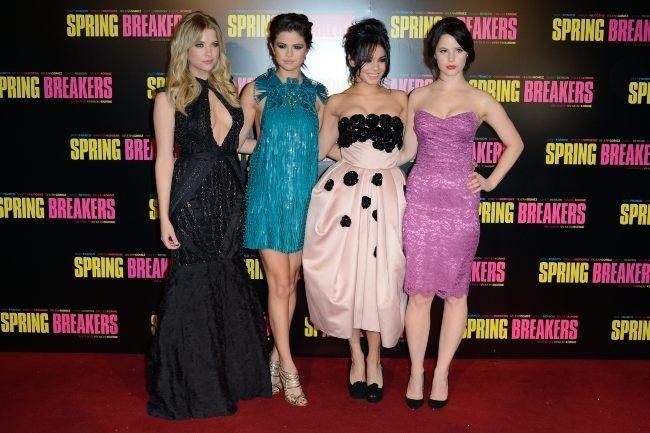 Ashley Benson, Vanessa Hudgens, Selena Gomez et Rachel Korine le 18 février 2013 à Paris