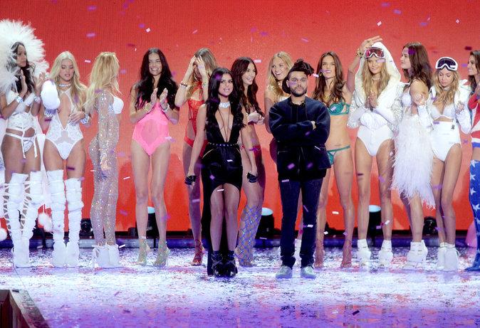 Selena Gomez et The Weeknd lors du Victoria's Secret Fashion Show 2015