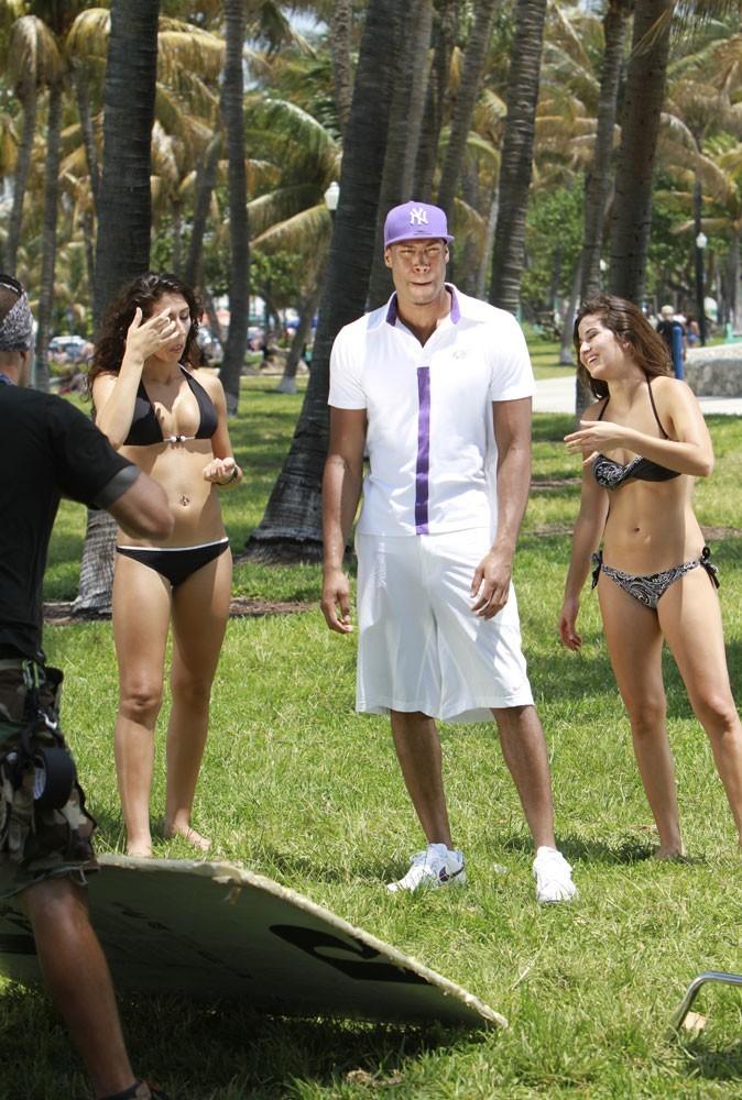 Senna est un petit veinard qui réalise son clip à Miami