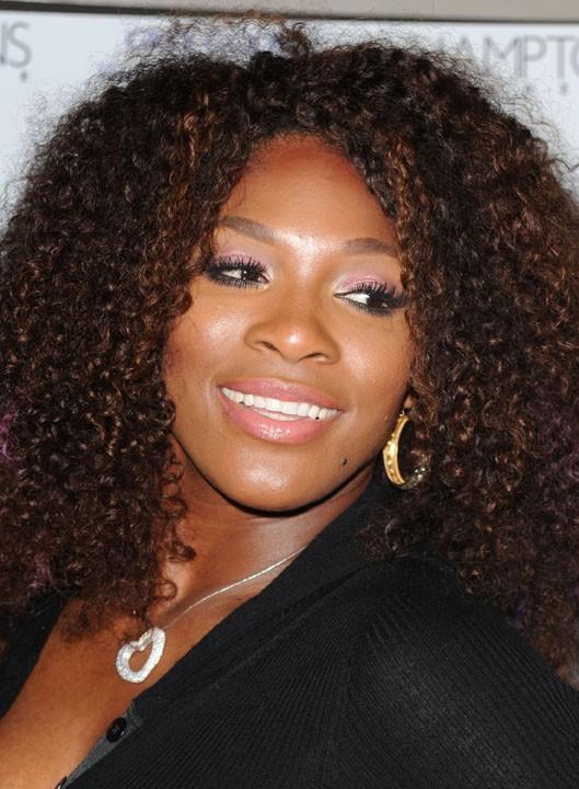 Serena a opté pour la coiffure portée récemment par Rihanna...