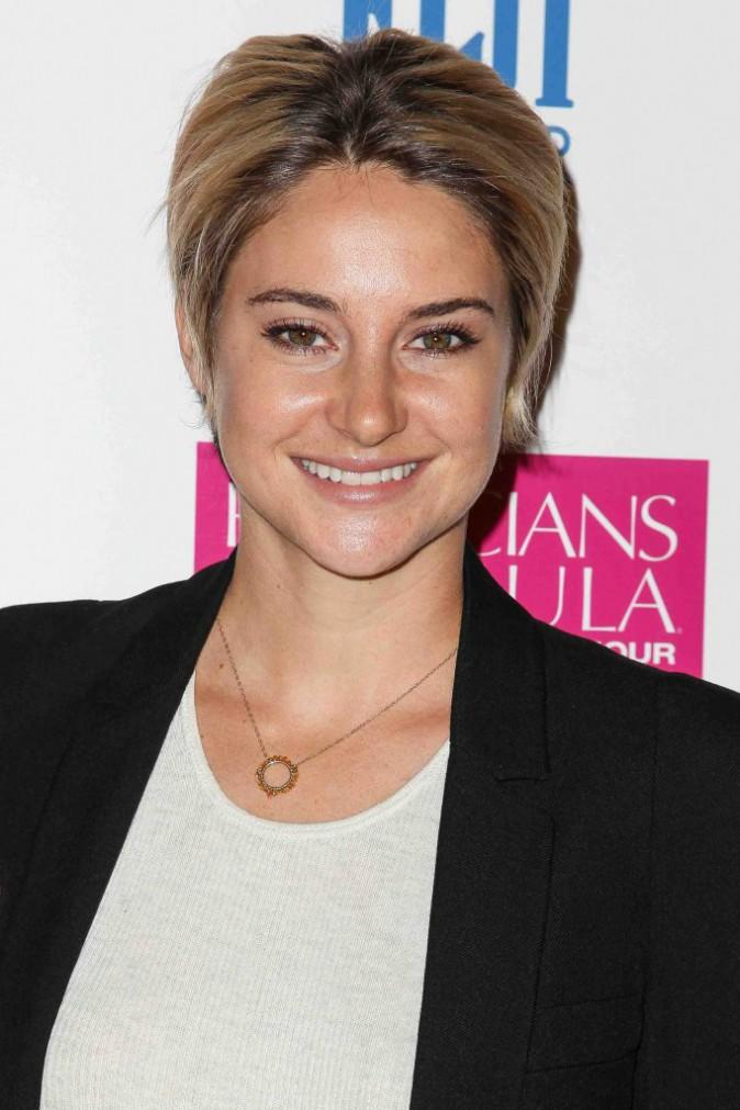 Photos shailene woodley elle revient sur les sc nes for Shailene woodley coupe de cheveux