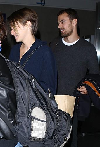 Shailene Woodley et Theo James à Los Angeles le 6 mars 2014