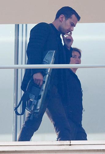 Theo James et Shailene Woodley à Atlanta le 25 août 2014