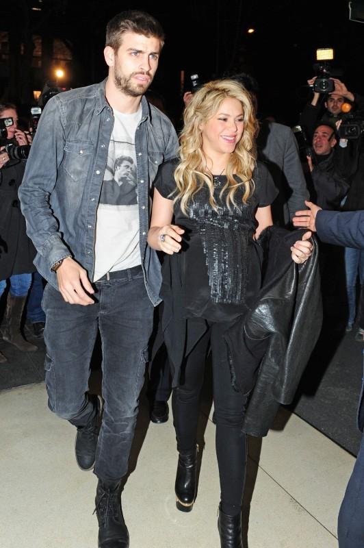 En route pour le lancement du livre du père de Shakira...