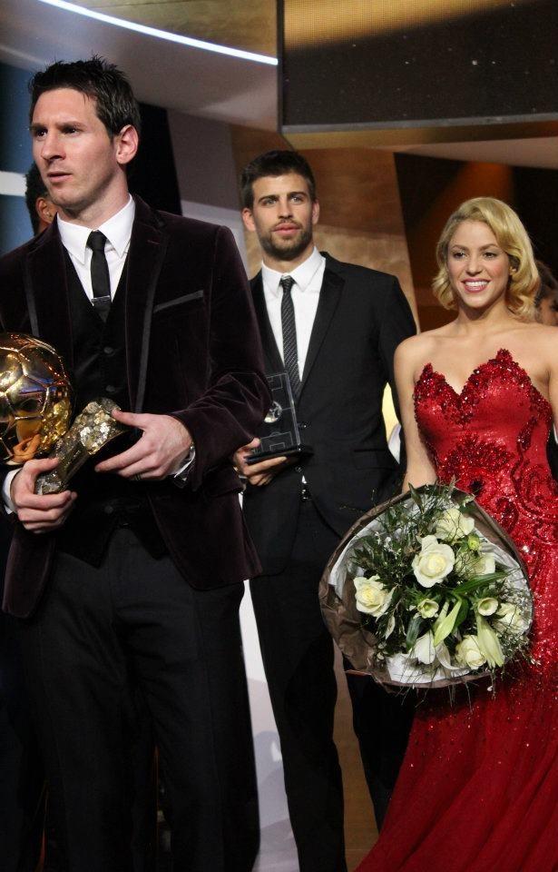 Shakira, son amoureux Gérard Piqué, et Lionel Messi lors du Gala FIFA Ballon d'Or 2011 à Zurich, le 9 janvier 2012.