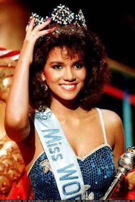Halle Berry dauphine de Miss USA et finaliste de Miss America et Miss Monde en 1986