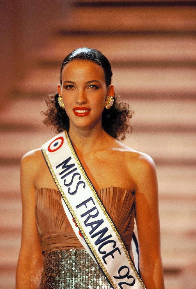 Linda Hardy couronnée Miss France en 1992