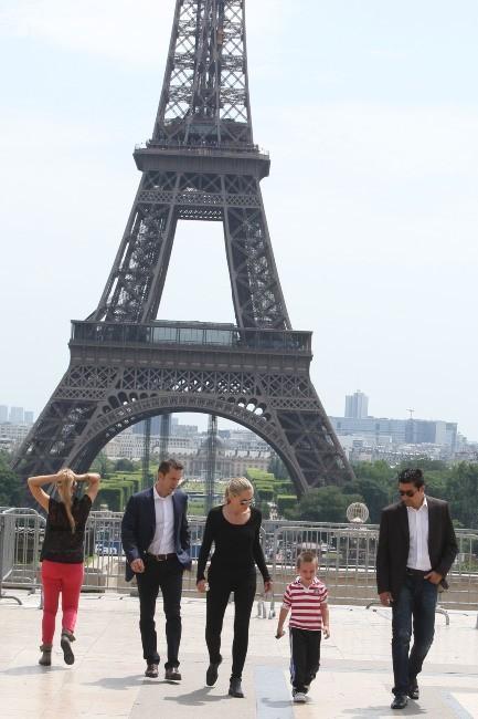 Sharon Stone et son fils Quinn à Paris, le 28 juin 2012.