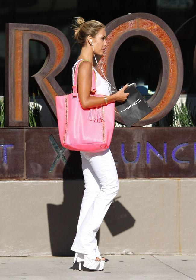 Shauna Sand en sortie shopping à West Hollywood le 31 juillet 2013