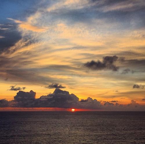 Photos : Shay Mitchell : sexy à Bali, elle dévoile son album de vacances so hot !